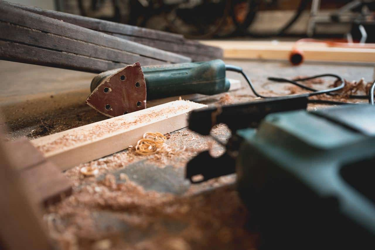 Woodworking: Detailed Beginner's Guide to Getting into Woodworking » The  DIY Hammer
