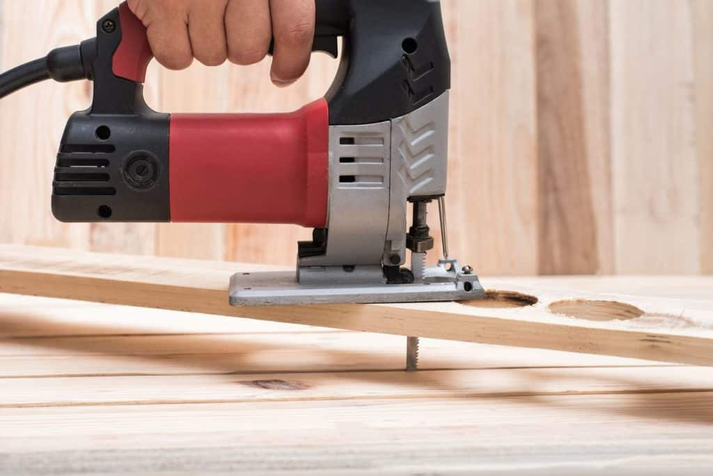 Using a Jig Saw